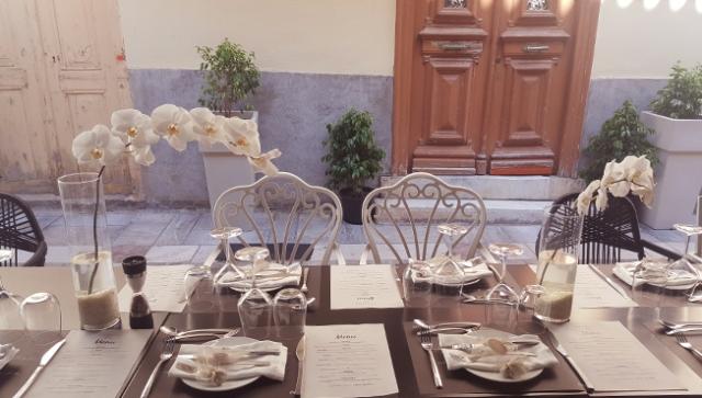 Small_wedding_reception
