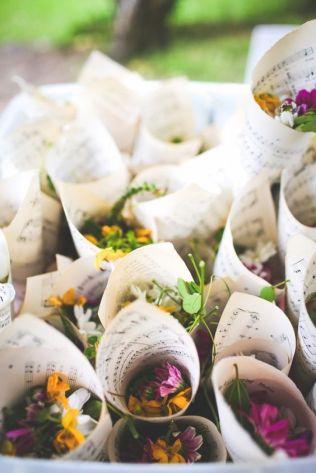 flowers_comfetti